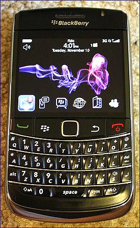 email-addiction-smartphone-photo