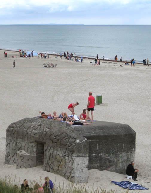 ephemeral art bunkers sea