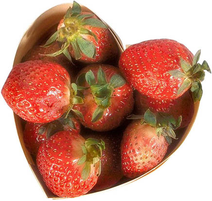 picture of love heart strawberries