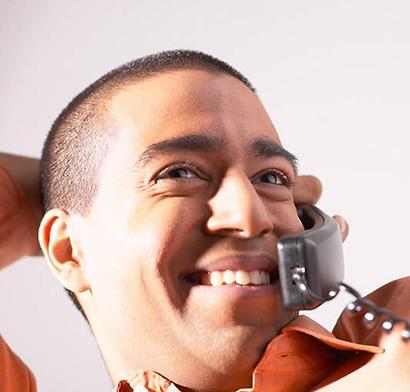 man-talking-in-telephone