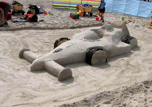 ephemeral art sand sculpture